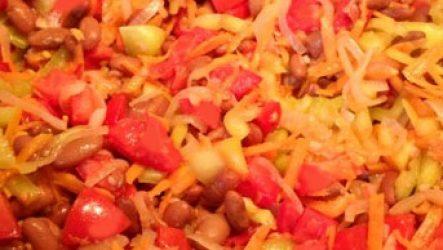 Заготовка фасоли с овощами