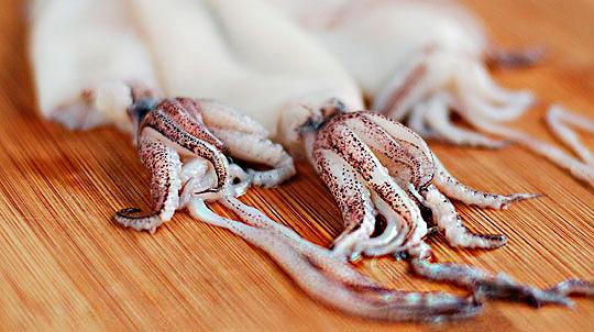 как очистить кальмар от пленки