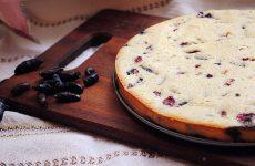 Как приготовить пирог с жимолостью