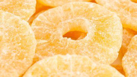 Цукаты из ананаса— полезный и вкусный десерт