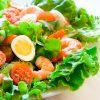 Праздничный салат с черри и креветками