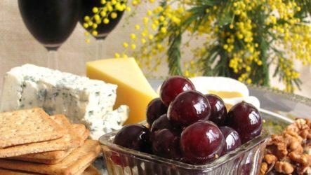 Виноград под оливки: оригинальная и вкусная закуска