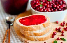 Пятиминутка из брусники: витаминный десерт на зиму