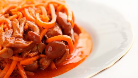 Как приготовить опята по-корейски