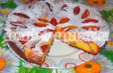 Двухслойный пирог со сливами, пошаговый рецепт