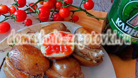 Картофель с грудинкой в фольге, запеченный в духовке
