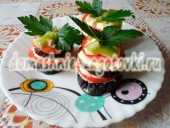 башенки из баклажанов с помидорами