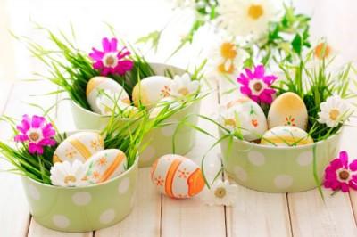 красить яйца в Чистый четверг