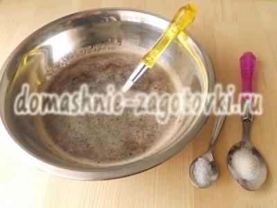 добавить сахар и кислоту