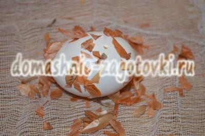 яйцо в шелухе