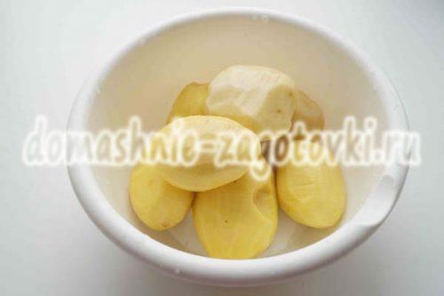 чищенный картофель