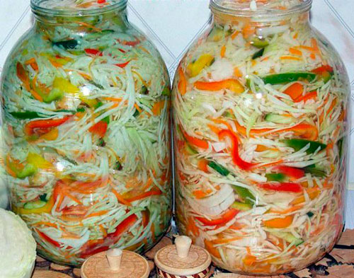 Рецепт салата на зиму огурцов с капустой