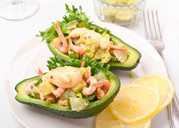 Миниатюра к статье Что приготовить из авокадо на новогодний стол