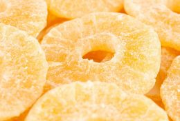 Миниатюра к статье Цукаты из ананаса— полезный и вкусный десерт
