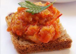 Миниатюра к статье Заготовка икры из патиссонов: очень вкусной закуски на зиму