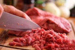 Миниатюра к статье Как приготовить мясной фарш без мясорубки