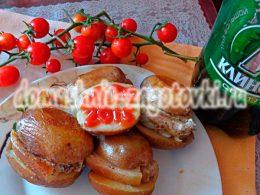 Миниатюра к статье Картофель с грудинкой в фольге, запеченный в духовке