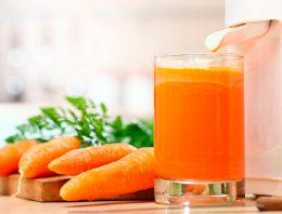 Миниатюра к статье Морковный сок: полезные рецепты
