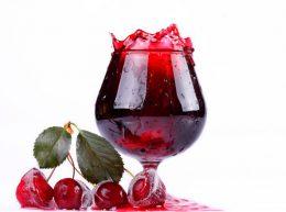 Миниатюра к статье Как приготовить наливку из вишни без водки