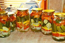 Миниатюра к статье Как заготовить Огород в банке на зиму со стерилизацией и без