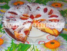 Миниатюра к статье Двухслойный пирог со сливами, пошаговый рецепт