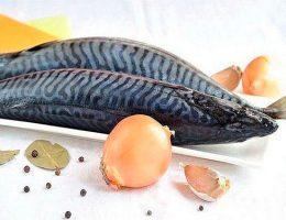 Миниатюра к статье Вкусный салат со скумбрией на зиму