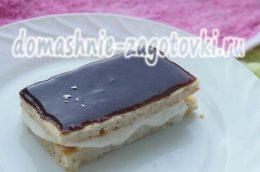 Миниатюра к статье Шоколадная глазурь из какао для торта или пирожных