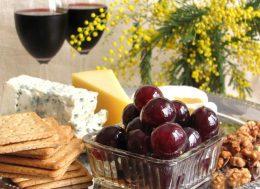 Миниатюра к статье Виноград под оливки: оригинальная и вкусная закуска