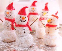 Миниатюра к статье Праздничная закуска «Новогодние Снеговики»